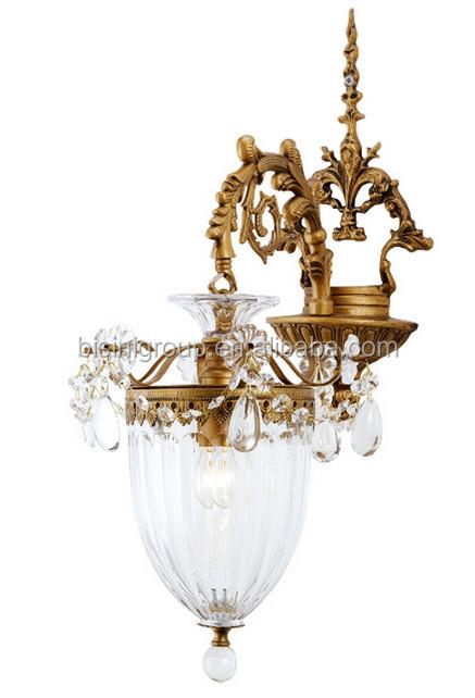 Antike messing kronleuchter mit Lichtern in Maiglöckchen form ...