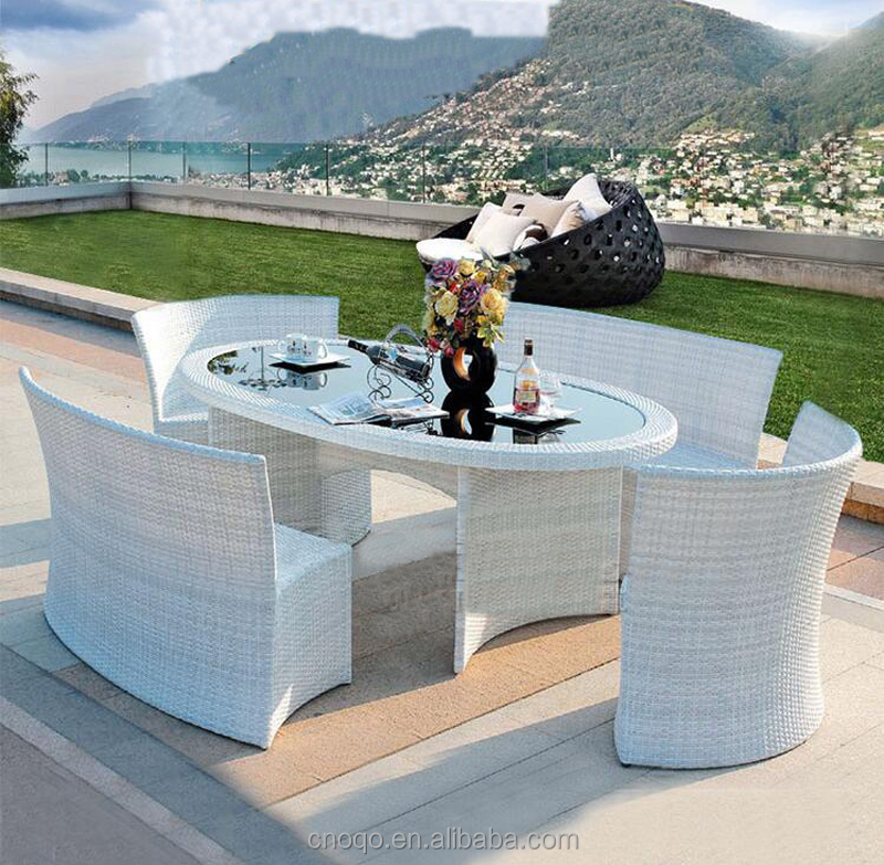 Outdoor Plastic Garden Rattan Furniture Set Patio Dinning Table Chair Set (Z555)