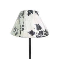 Modern urban style lamp shades, simple black flower table light, eye care book reading light
