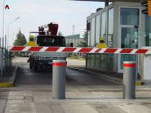 Highway warning Electric Stainless Steel bollards parking barrier