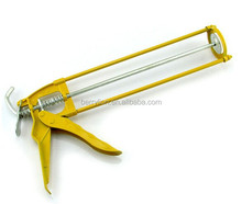 Ecomomy yellow color caulking gun with high quality