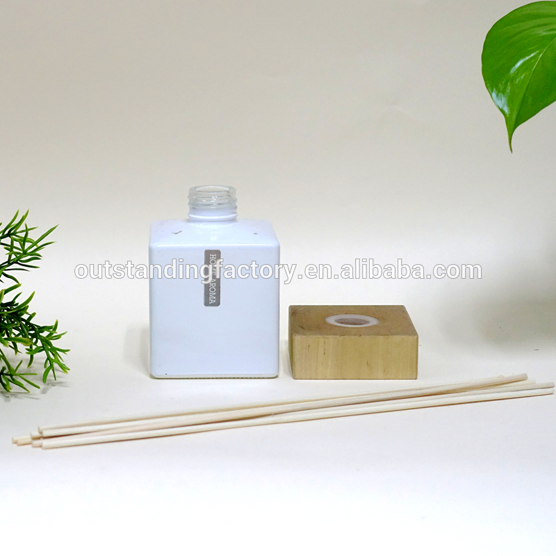 Use Reed Diffuser For Home Decoration