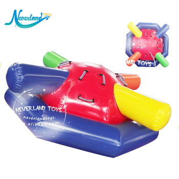 Customized 2019 Popular Crazy Water Toys Rocker Saturn Inflatable Rotating Saturn