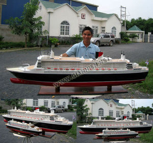 QUEEN MARY 2 X-LARGE CRUISE SHIP MODEL - WOODEN OCEAN LINER CRAFT