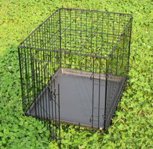 Portable Metal wire mesh dog crate cages with plastic pet sleep tray