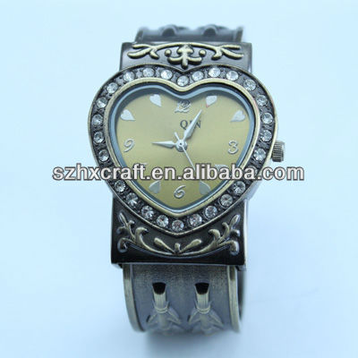 2013 Cheap Customised Geneva Watch Alloy Most Popular Ladies Watch 2013