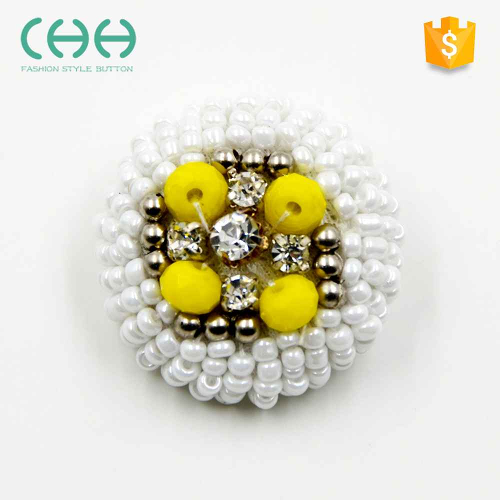 New plastic water cleaning handmade button with beads