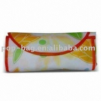 Easy carrying non-woven foldable shopping bag