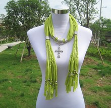Top Fashion Coss Pendant Jeweled Scarf Wholesale