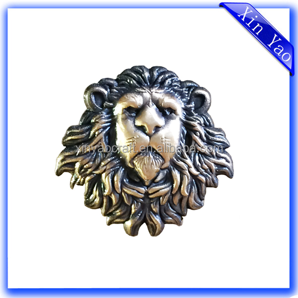 2016 Hot sale High quality 3D Lion Head Custom Gold Brass Badge