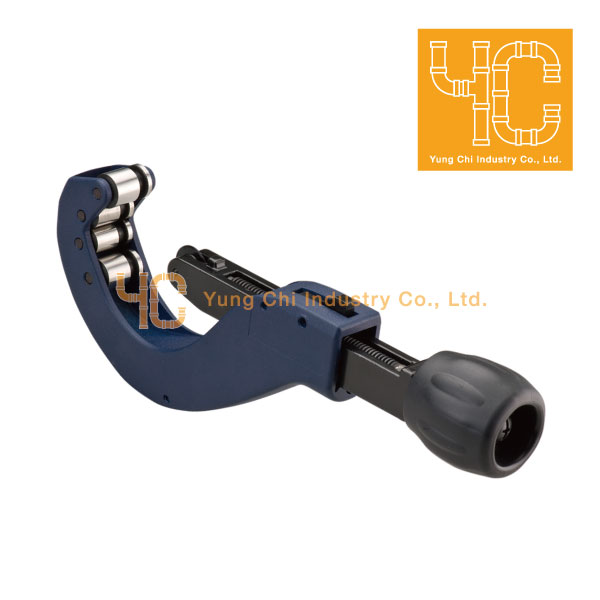 Zip action pipe cutter 3-54 mm with deburring tool
