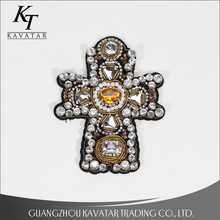 Con cuentas de cristal rhinestone Cruz bordado parches Patch applique stick agua Cruz emblema accesorios crucifijo parche