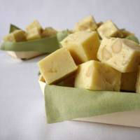 White Chocolate with macadamia Nuts