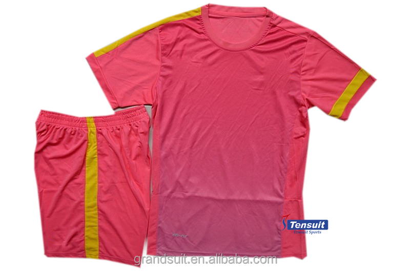 Training clothes pink color, polyester soccer jersey cheap, customize t shirts