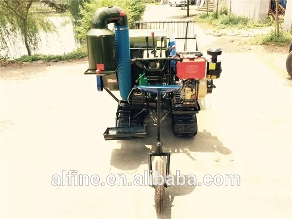 Lower price easy operation mini rice harvester
