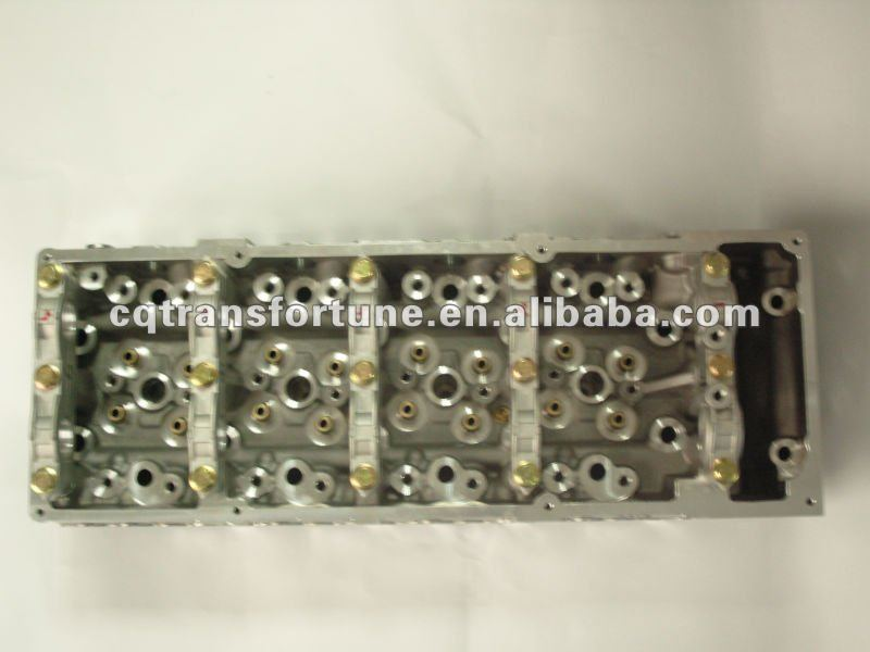 Brand New Cylinder Head for MITSUBISHI 4M42 AMC908517 ME204399