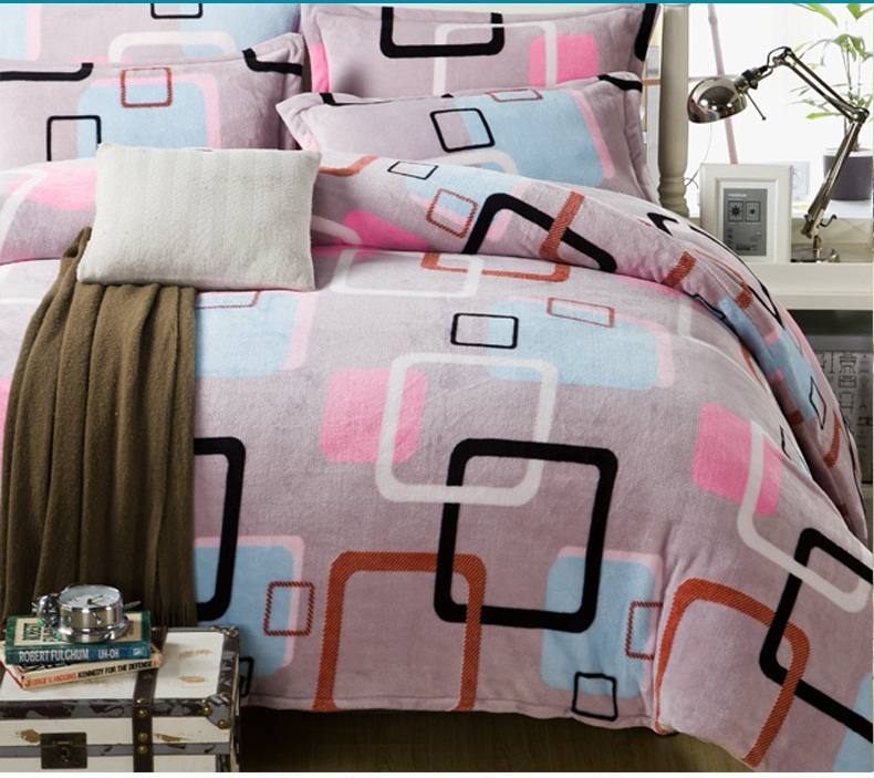 China Wholesale Light Pink Check Series Flannel Bedding Sets 4pcs