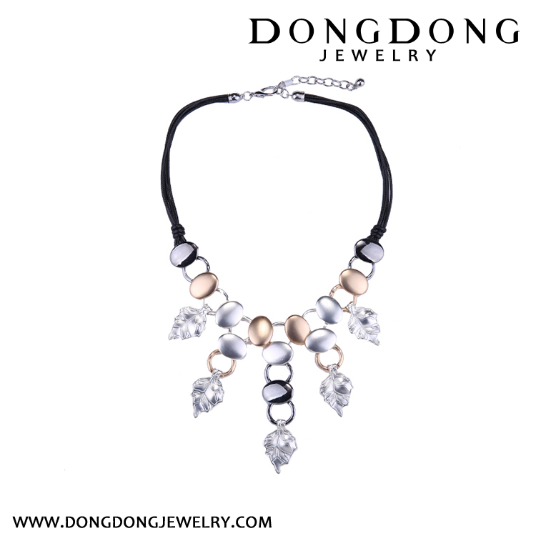 Dongdong Popular gold and silver necklace in Europe and America