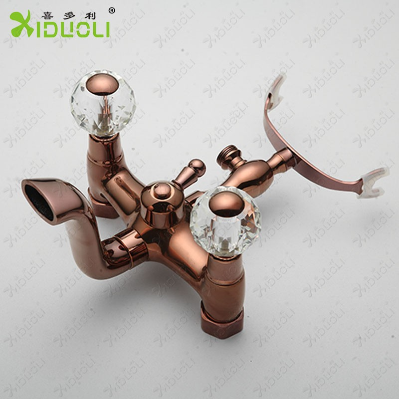 badewanne und dusche wasserhahn mischbatterie duschkopf baden und duschewasserhahn produkt id. Black Bedroom Furniture Sets. Home Design Ideas