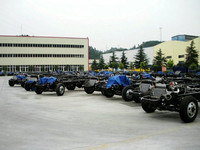 Dongfeng 6-----12m bus chassis for sale