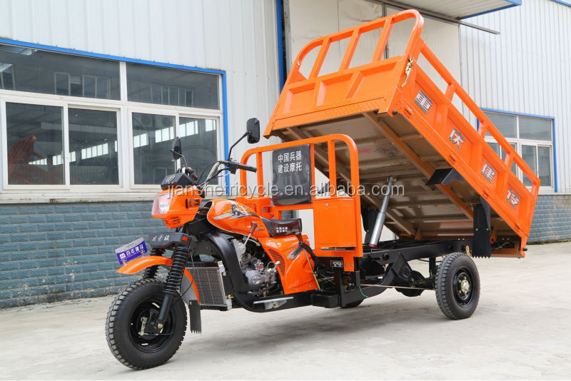 three wheel motorcycle/cargo tricycle with hydraulic self-dumping system