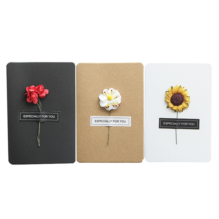 DIY handmade kraft paper dried flowers greeting card with flowers