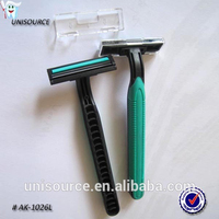 Single or double blade travel single use shave razors