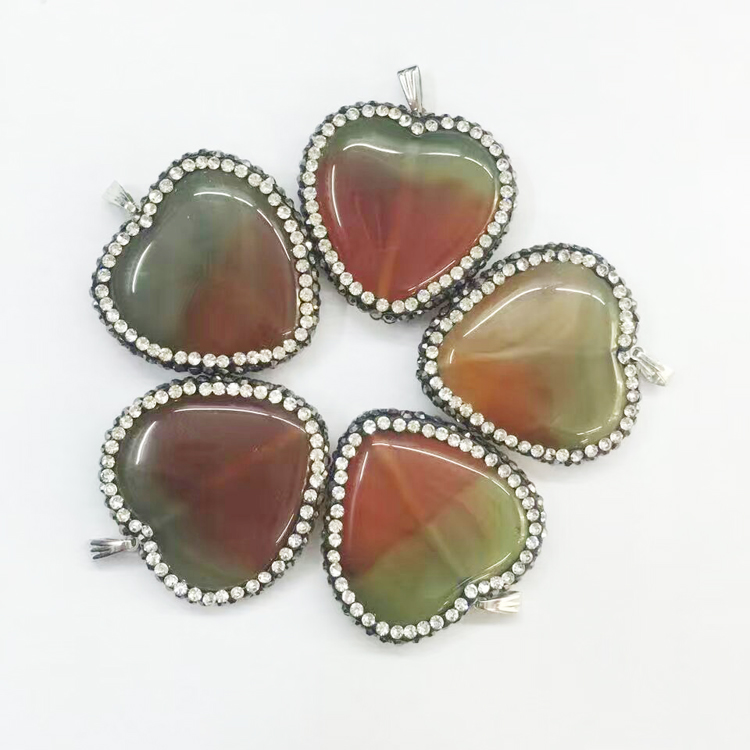 Beautiful Color Natural Agate Stone Pendant Lovely Heart Gems Crystal Paved Jewelry Druzy Pendants