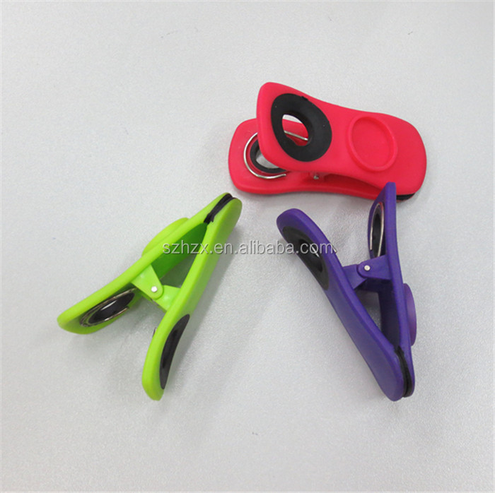 home use plastic clip with magnet/ frige use magnetic plastic clip