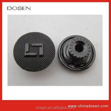 High quality embossed logo zamak material metal sewing button for clothing/boton de metal para la ropa