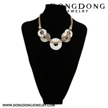 DL084 decorative shell and alloy central hole round pendant necklace jewelry for wedding
