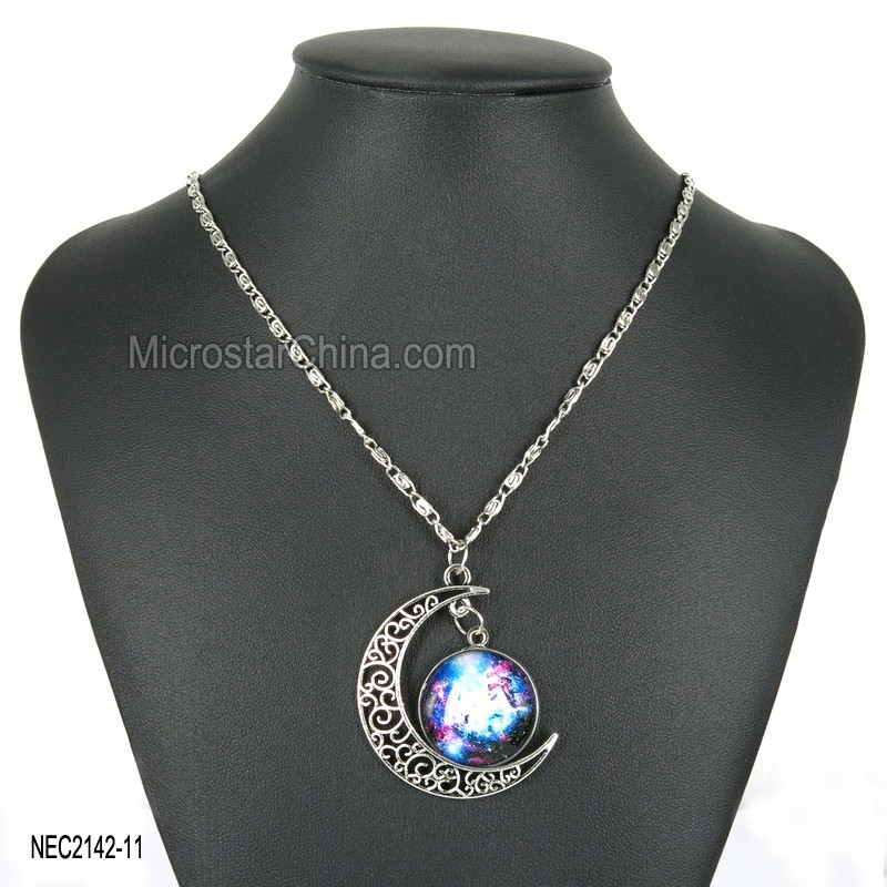 2015 Handmade New Charm Necklace Jewelry Universe Fashion Moon Crescent Necklace Cabochon Pendant
