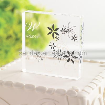 Attractive Single Acrylic Crystal Wedding Cake Topper with Flower Cover