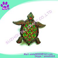 Alibaba China high quality customized soft/hard enamel spinning lapel pin/badge