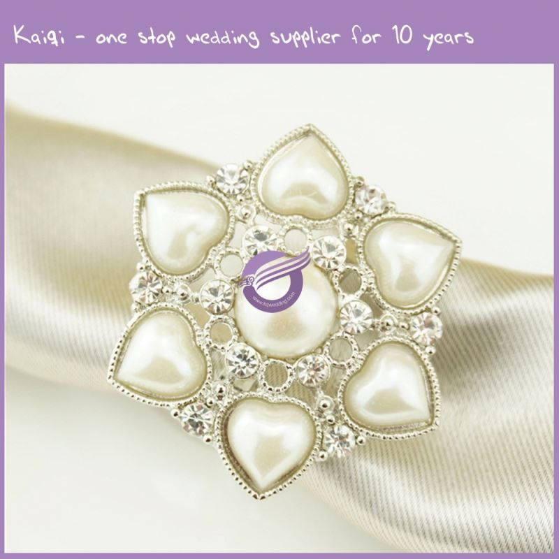 KA166 cheap simple design pearl flower shaped napkin rings