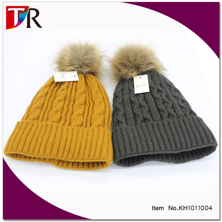 wholesale cable knit lady fleece lined thermal fur pom beanie hats