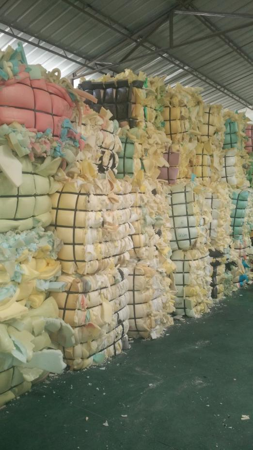 Factory directly sell dry and clear polyurethane foam scrap