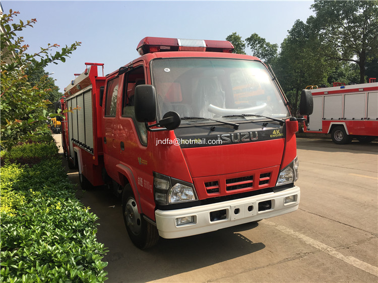 4cbm fire fighting truck3.JPG