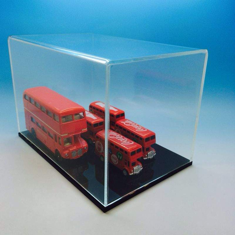 Collectors ShowCase Plastic Display Case for 1:18