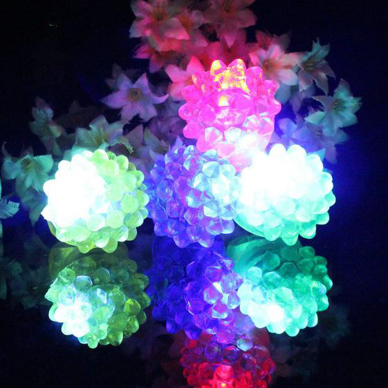 50pcs/lot LED Light Strawberry Flashing Finger Ring Elastic Rubber Ring Event Party Supplies Glow Toys