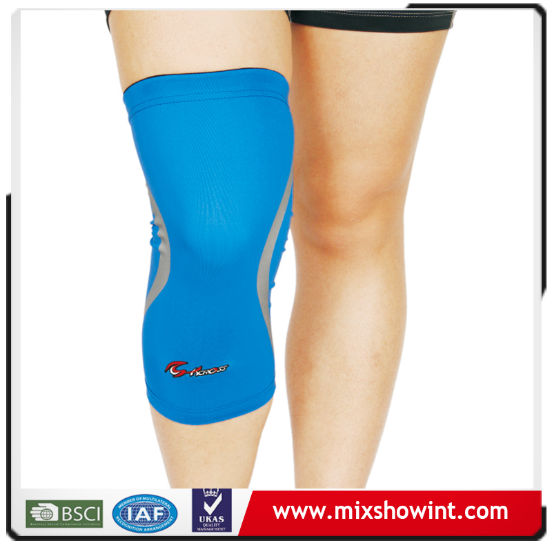 Basketball compression knee sleeve