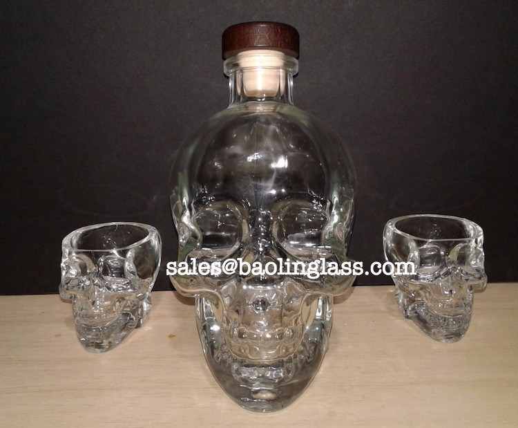 Empty Crystal Head Vodka Bottle 750 ml With shot glasses