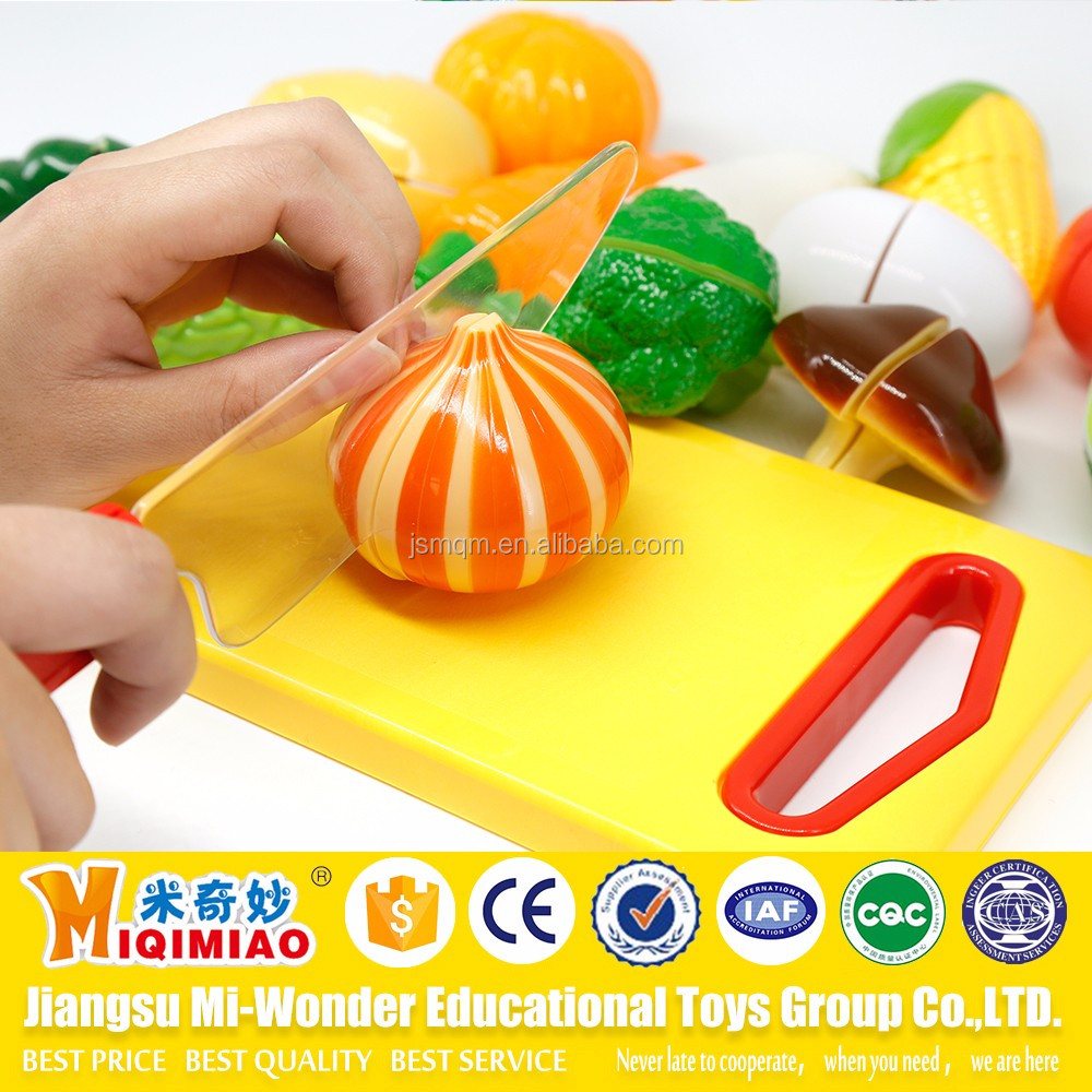 Artificial plastic fruits and vegetables pretend cutting playing games for kids