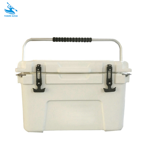 Professional Factory Direct 25L Portable Plastic Rotomolded Insulated Ice Fishing Cooler Box