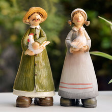 Modern fashion resin colorful farm couple crafts for gifts