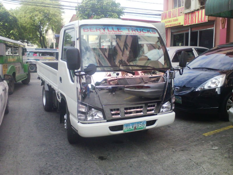 Trucks For sale Isuzu Elf PV Model Chrome
