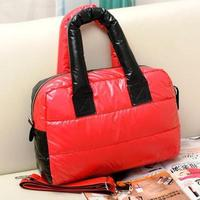 Stylish lightweight ladies handbag, dual-use Messenger bag