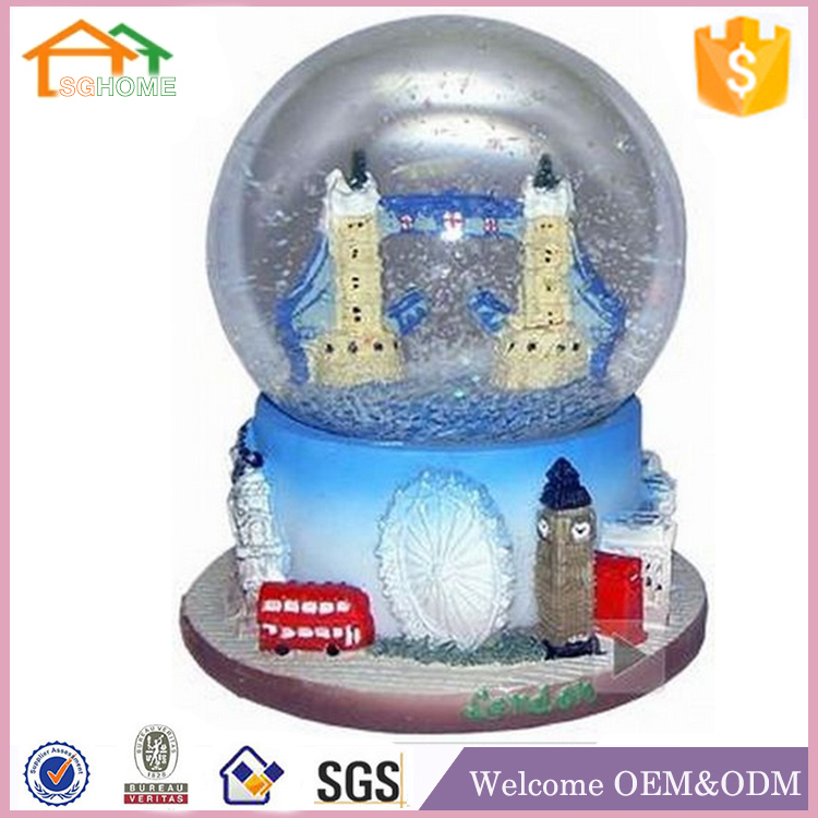 High quality polyresin custom snow globe london souvenirs