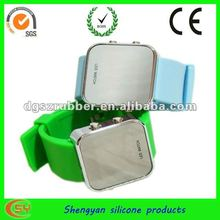 2012 new design hot selling silicone wrist watch
