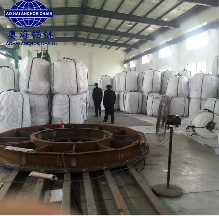 Double-layer multi-strand raided polyester mooring rope